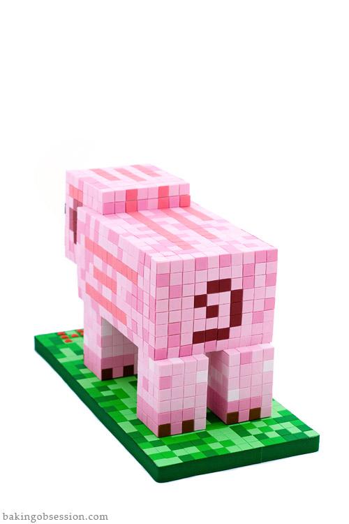 minecraft-pig-cake-back
