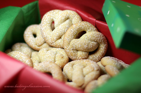 Lemon Poppy Seeds Pretzel Cookies